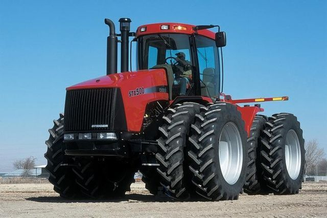 selhoztehnika-traktor-kolesnyy-CASE-IH-STX-500